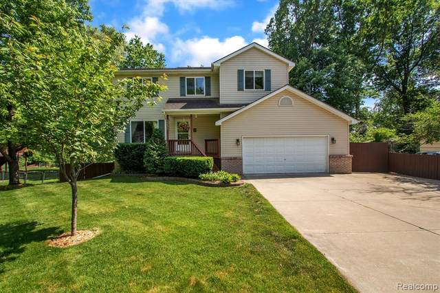 5531 Brunswick Boulevard, Waterford Twp, MI 48327 (#2210046436) :: Real Estate For A CAUSE