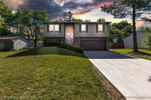23576 Valley Starr, Novi, MI 48375 (#2210046692) :: Duneske Real Estate Advisors