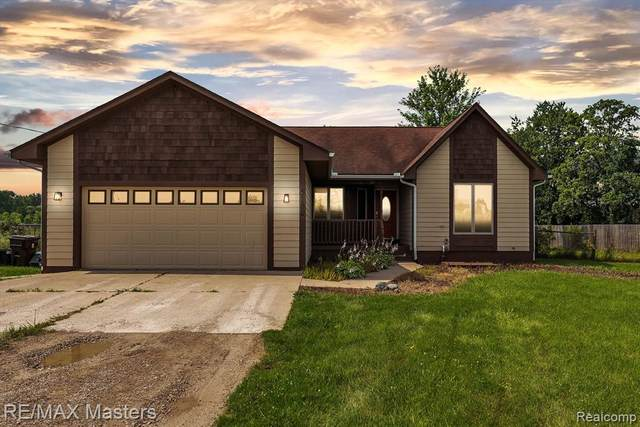5182 Pointe Aux Peaux, Frenchtown Twp, MI 48166 (#2210047981) :: BestMichiganHouses.com