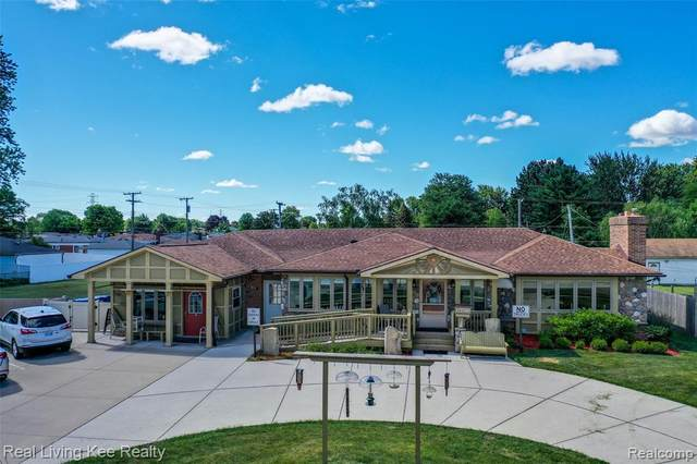 13760 Common Road, Warren, MI 48088 (#2210048942) :: Real Estate For A CAUSE