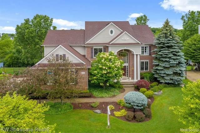 47034 Sunnybrook, Novi, MI 48374 (#2210049345) :: Duneske Real Estate Advisors