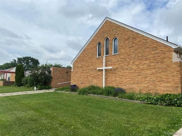19800 Frazho Rd, Saint Clair Shores, MI 48081 (#2210050013) :: Robert E Smith Realty
