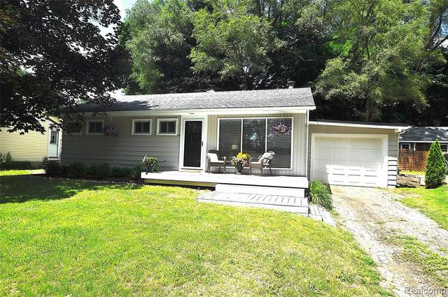 46120 Frederick Street E, Northville Twp, MI 48167 (#2210050087) :: GK Real Estate Team