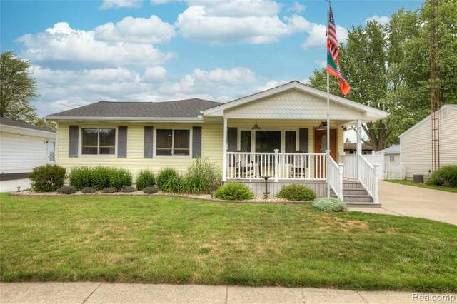 5360 Winshall Drive, Swartz Creek, MI 48473 (#2210050833) :: Real Estate For A CAUSE
