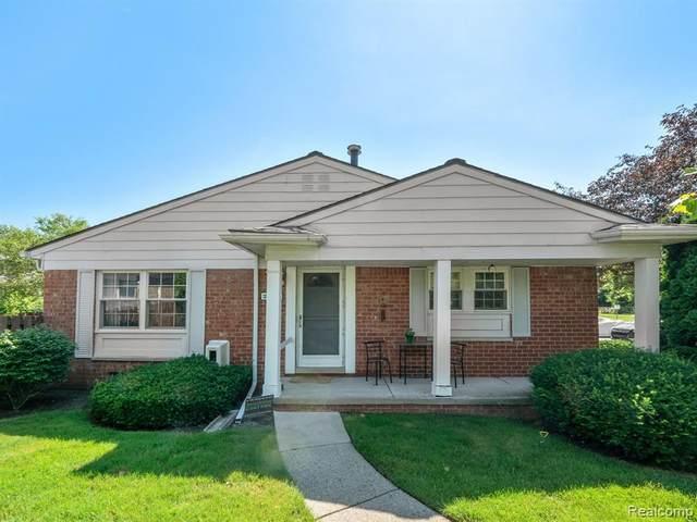 24476 Olde Orchard Street, Novi, MI 48375 (#2210050868) :: Duneske Real Estate Advisors