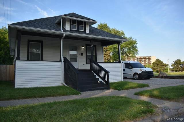 56 Park Street, Mt. Clemens, MI 48043 (#2210052425) :: Real Estate For A CAUSE