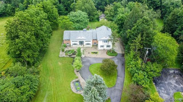 8882 Napier Road, Northville Twp, MI 48168 (#2210054500) :: National Realty Centers, Inc