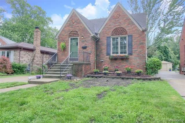 1777 Hampton, Grosse Pointe Woods, MI 48236 (#2210055096) :: GK Real Estate Team