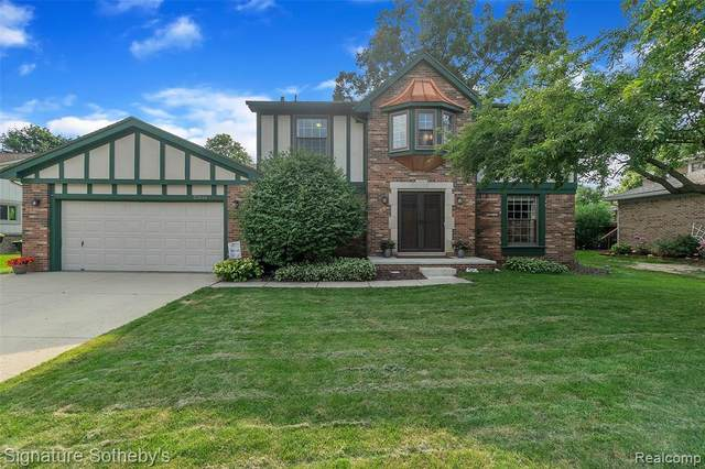 23545 Hickory Grove Lane, Novi, MI 48375 (#2210056328) :: Duneske Real Estate Advisors