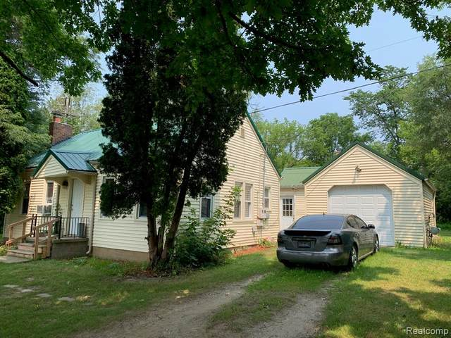 1665 Imlay City Road, Lapeer Twp, MI 48446 (#2210057426) :: Real Estate For A CAUSE