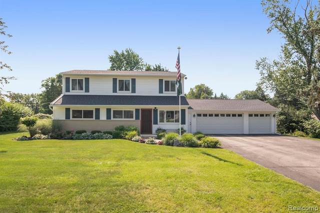 7411 Cortez, Independence Twp, MI 48348 (#2210057656) :: Real Estate For A CAUSE