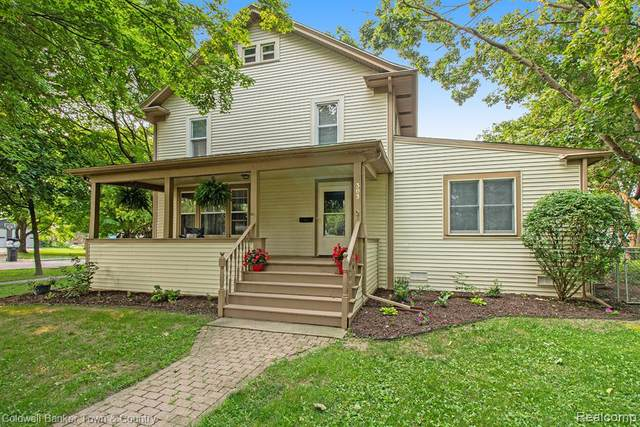 303 W Brooks Street, Howell, MI 48843 (#2210057782) :: Real Estate For A CAUSE