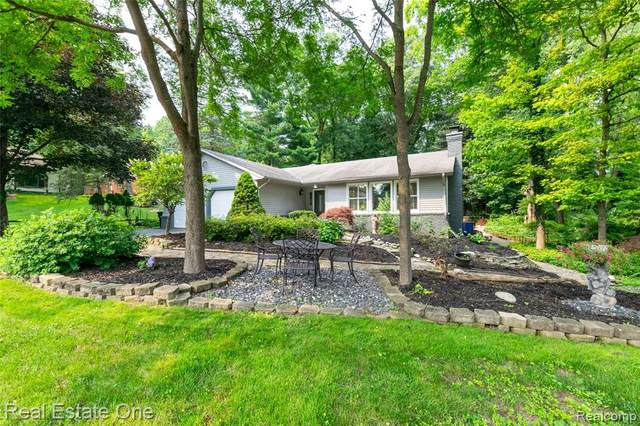 8078 Marshwood Circle, Independence Twp, MI 48348 (#2210058364) :: Real Estate For A CAUSE