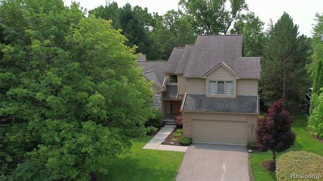 5107 Willow Pond Drive, West Bloomfield Twp, MI 48323 (#2210058747) :: Real Estate For A CAUSE