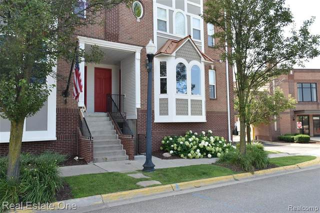 211 N Michigan Avenue #1, Howell, MI 48843 (#2210058805) :: Real Estate For A CAUSE