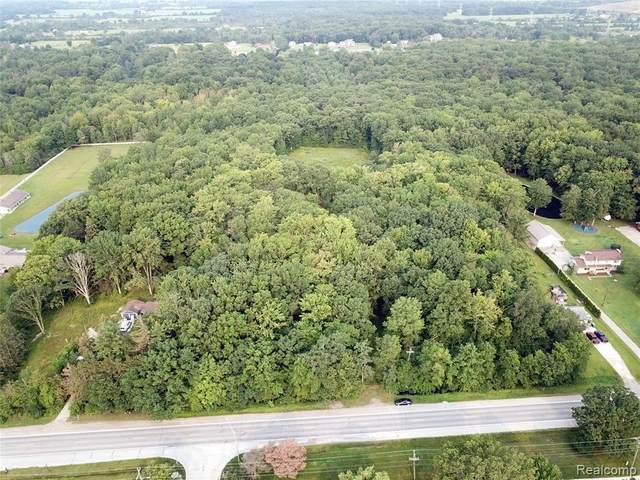 5296 County Line Road, Lenox Twp, MI 48048 (#2210059187) :: The Vance Group | Keller Williams Domain
