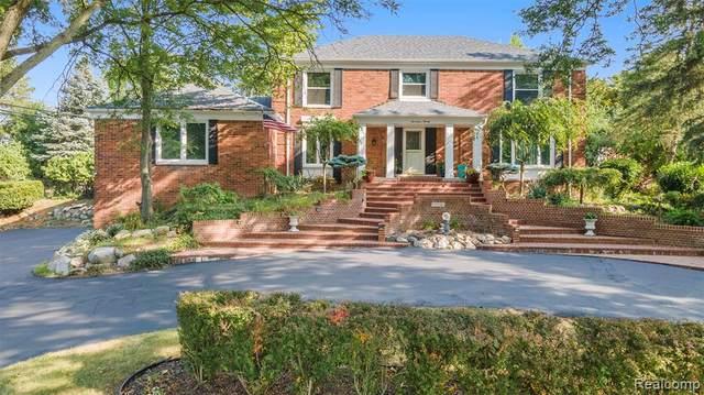 1720 Cedar Shake Drive, Bloomfield Twp, MI 48302 (#2210060337) :: The Vance Group | Keller Williams Domain