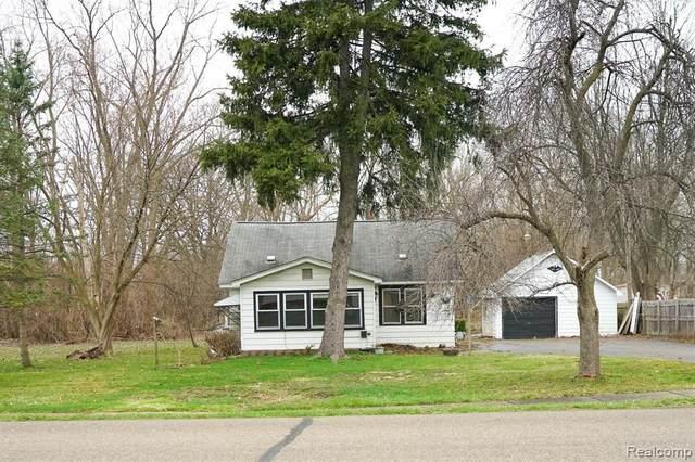 2365 Walnut Road, Auburn Hills, MI 48326 (#2210061480) :: BestMichiganHouses.com