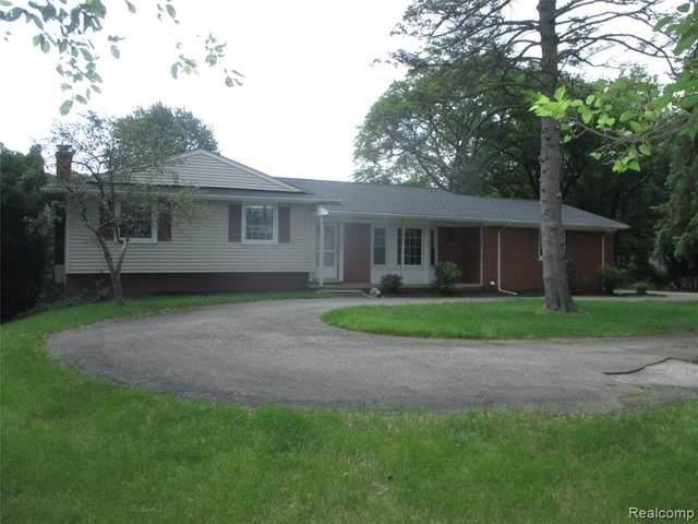 2011 W Avon Road, Rochester Hills, MI 48309 (#2210061529) :: GK Real Estate Team
