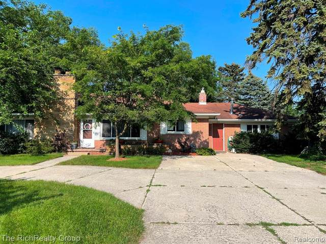 9285 N Lilley Road, Plymouth Twp, MI 48170 (#2210062422) :: Robert E Smith Realty