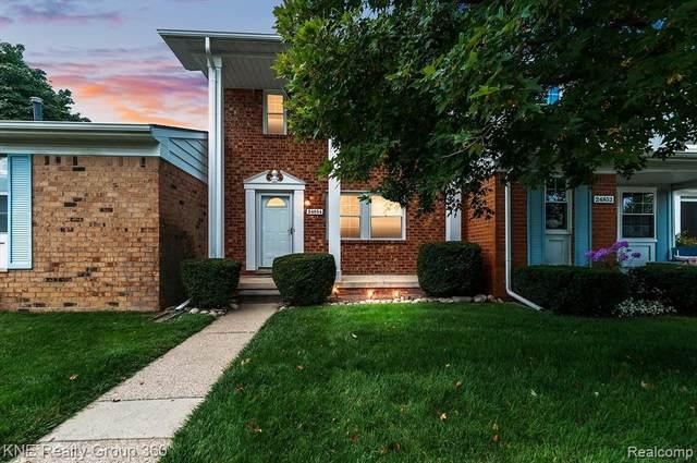 24854 Olde Orchard Street, Novi, MI 48375 (#2210063635) :: Duneske Real Estate Advisors