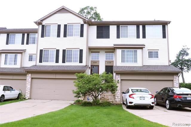 237 Oakridge Drive, Pontiac, MI 48341 (#2210064235) :: Real Estate For A CAUSE