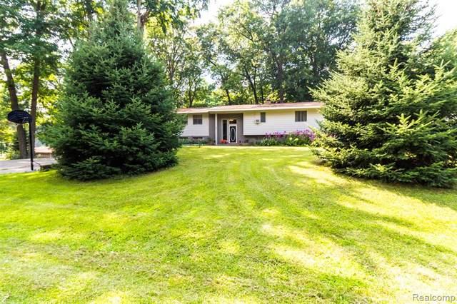 49 Oak Knoll Drive, Elba Twp, MI 48446 (#2210064497) :: The Vance Group | Keller Williams Domain