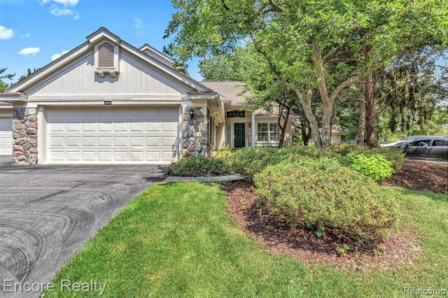 7554 Danbury Circle, West Bloomfield Twp, MI 48322 (#2210067794) :: National Realty Centers, Inc