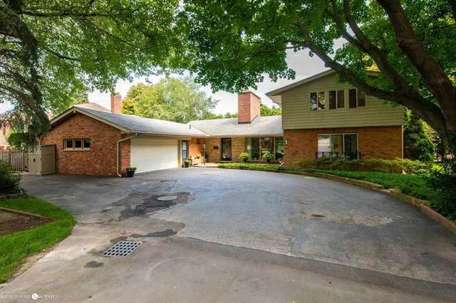 22 Oldbrook Lane, Grosse Pointe Farms, MI 48236 (#58050052113) :: The Vance Group   Keller Williams Domain