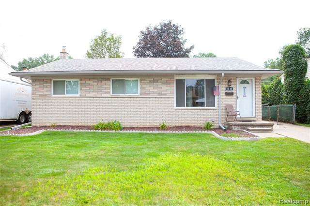 8390 Forrest Drive, Canton Twp, MI 48187 (#2210068003) :: The Vance Group   Keller Williams Domain