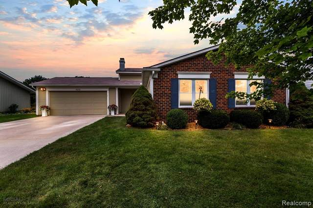 41272 Village Lake Street, Novi, MI 48375 (#2210068050) :: Duneske Real Estate Advisors