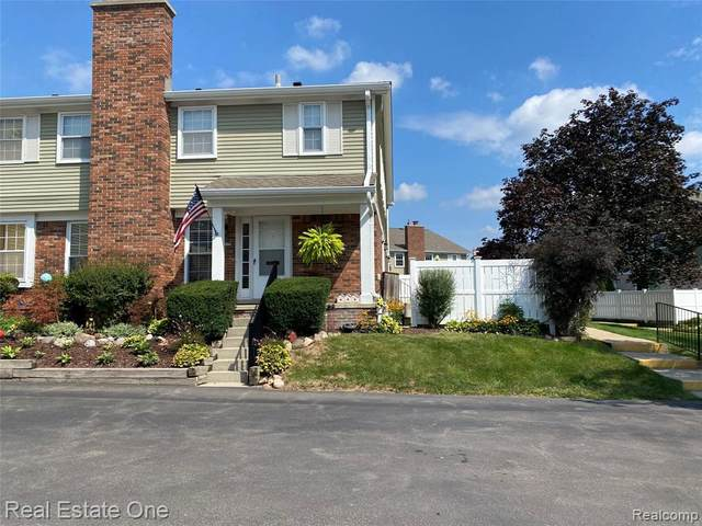20845 W Glen Haven Circle, Novi, MI 48167 (#2210068532) :: Duneske Real Estate Advisors