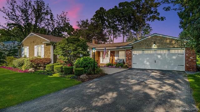 2963 Aspen Lane, Bloomfield Twp, MI 48302 (#2210068749) :: GK Real Estate Team