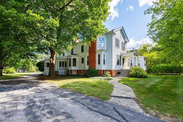 900 Brown Street, ST. CLAIR, MI 48079 (#2210073629) :: GK Real Estate Team