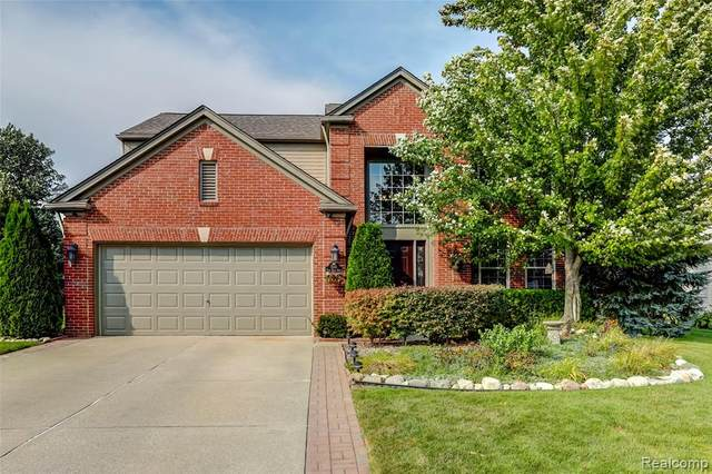 7668 Ring Neck Drive, Waterford Twp, MI 48327 (#2210075495) :: The Vance Group | Keller Williams Domain