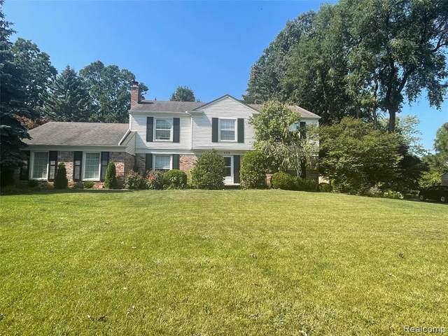 4276 Chimney Point Drive, Bloomfield Twp, MI 48302 (#2210076217) :: The Vance Group | Keller Williams Domain