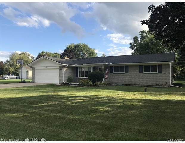 8498 Huron River Drive, White Lake Twp, MI 48386 (#2210076435) :: Real Estate For A CAUSE