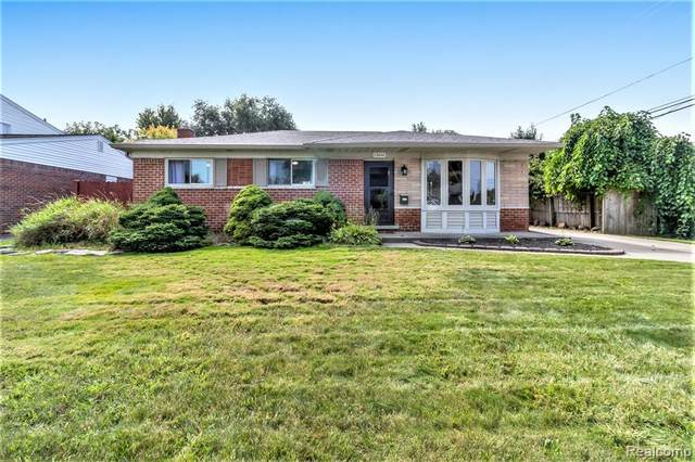 13616 Riverwood Drive, Sterling Heights, MI 48312 (#2210076909) :: GK Real Estate Team