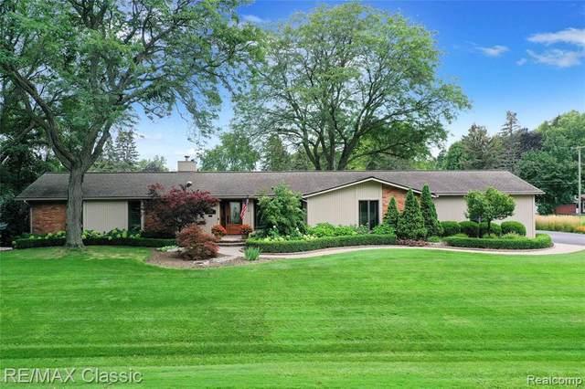 1250 Winchcombe Drive, Bloomfield Twp, MI 48304 (#2210076917) :: GK Real Estate Team
