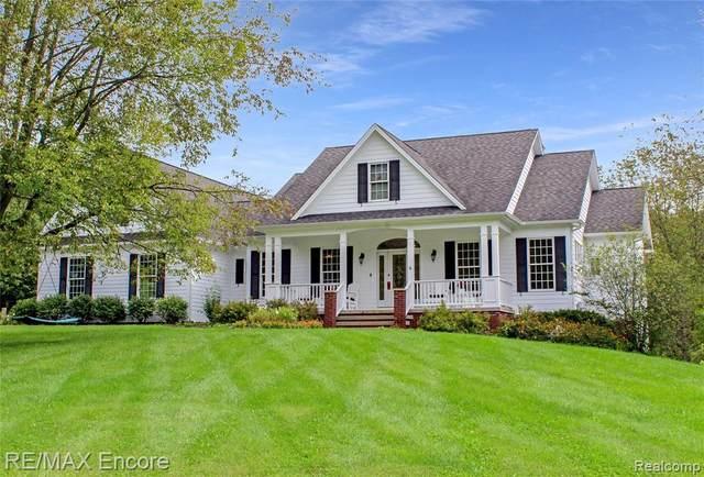 702 Shelmar Lane, Brandon Twp, MI 48462 (#2210077757) :: Real Estate For A CAUSE