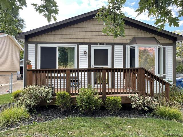 1040 Lalond Avenue, Waterford, MI 48327 (#2210077965) :: GK Real Estate Team