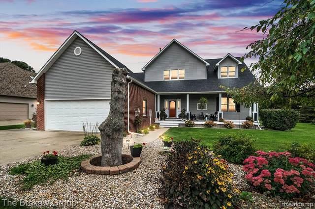 1025 Crystal Wood Drive, Davison Twp, MI 48423 (#2210078274) :: GK Real Estate Team