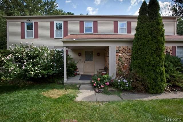 6045 Shillingham Drive, West Bloomfield Twp, MI 48322 (#2210078612) :: GK Real Estate Team