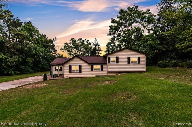 645 Private Drive, Howell, MI 48843 (#2210078657) :: The Mulvihill Group