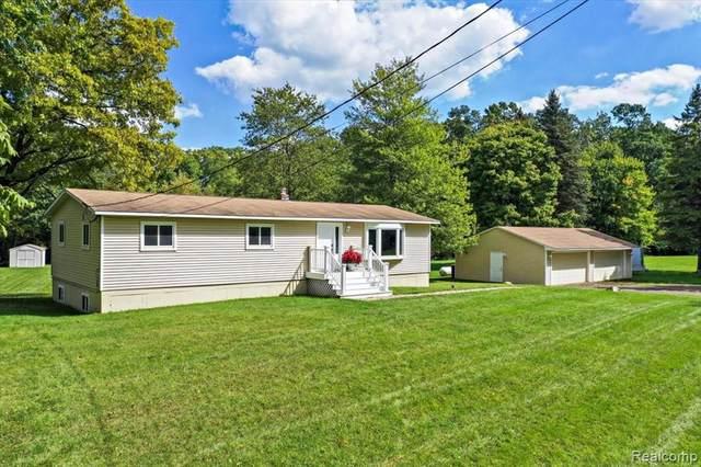 5150 Hillsboro Road, Springfield Twp, MI 48350 (#2210078871) :: Duneske Real Estate Advisors