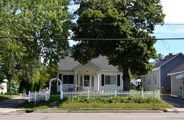11372 N Saginaw Street, Mt. Morris, MI 48458 (#2210079255) :: National Realty Centers, Inc