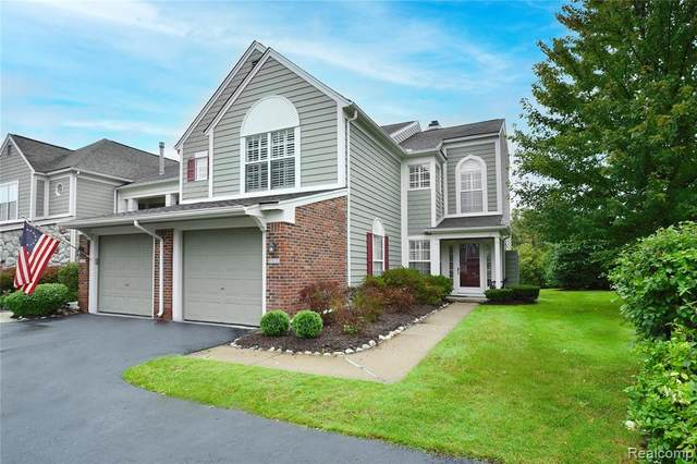 2091 Eagle Pointe, Bloomfield Twp, MI 48304 (#2210080371) :: The Mulvihill Group