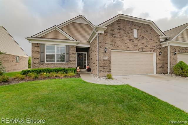 2121 Trimble Street, Orion Twp, MI 48360 (#2210082927) :: Real Estate For A CAUSE