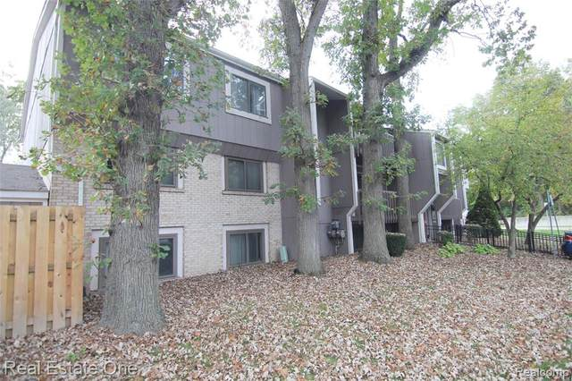 29860 W 12 MILE RD  UNIT 607, Farmington Hills, MI 48334 (#2210083984) :: Real Estate For A CAUSE