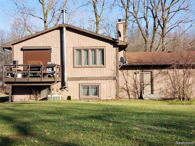 27800 N Martinsville Road Road S, Sumpter Twp, MI 48164 (#2210086460) :: Robert E Smith Realty